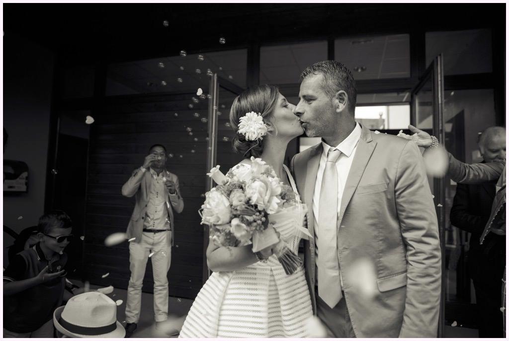 photographe mariage grenoble sortie de mairie
