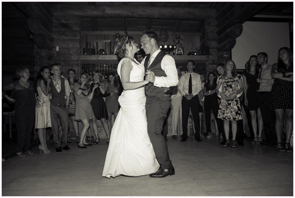 soirée mariage chamonix cabane des praz première danse maries aurelie allanic photographe