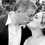 photo mariés qui s'embrassent
