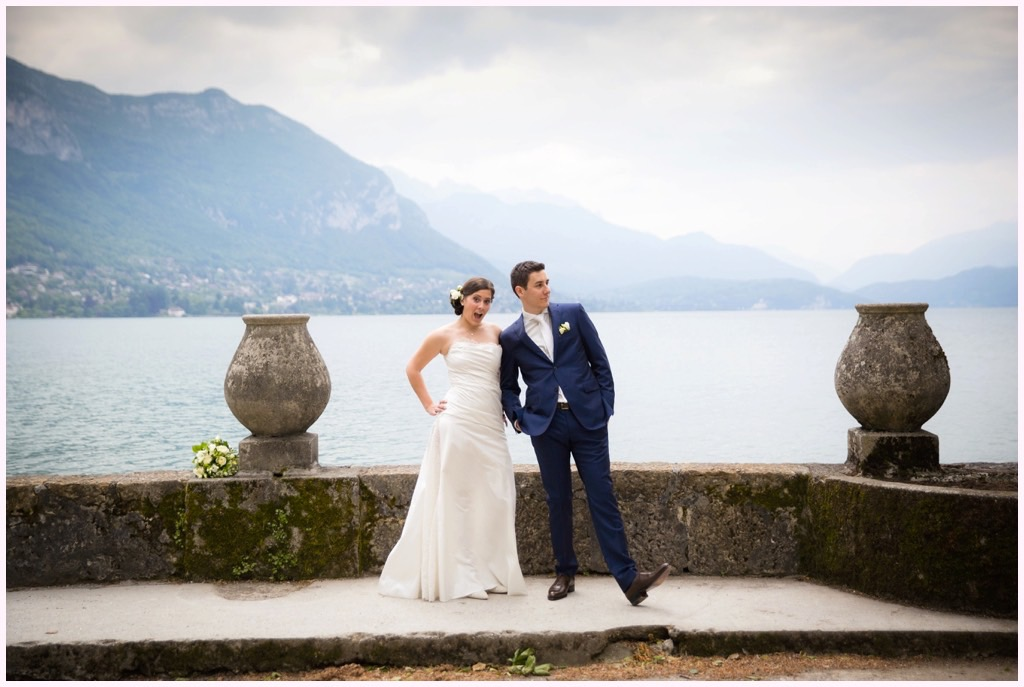 photo couple mariage lac annecy fun